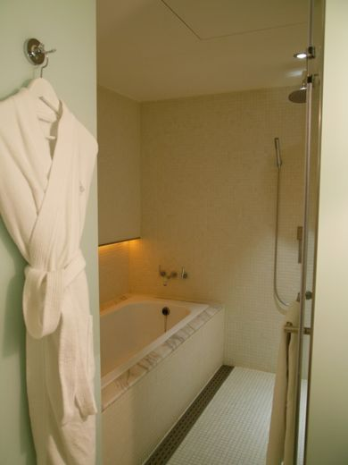 Ambience Hotel Room3_T